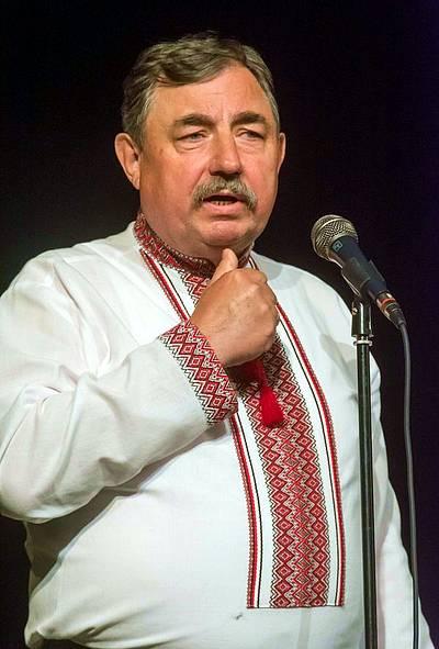 Пилип Юрик читає сатиричний вірш «Україна і Болгарія».